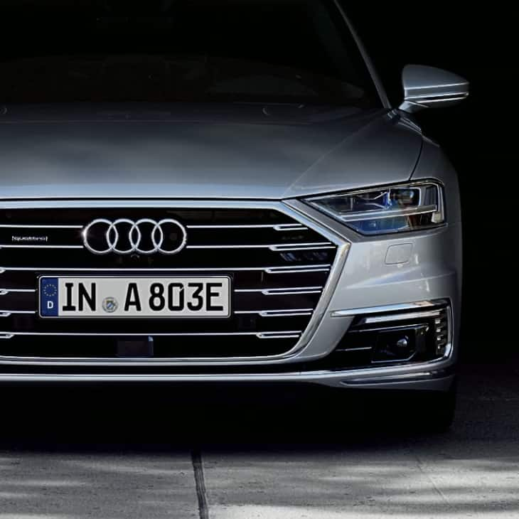 Charging the vehicle battery by induction: Audi introduces inductive charging with the A8.
